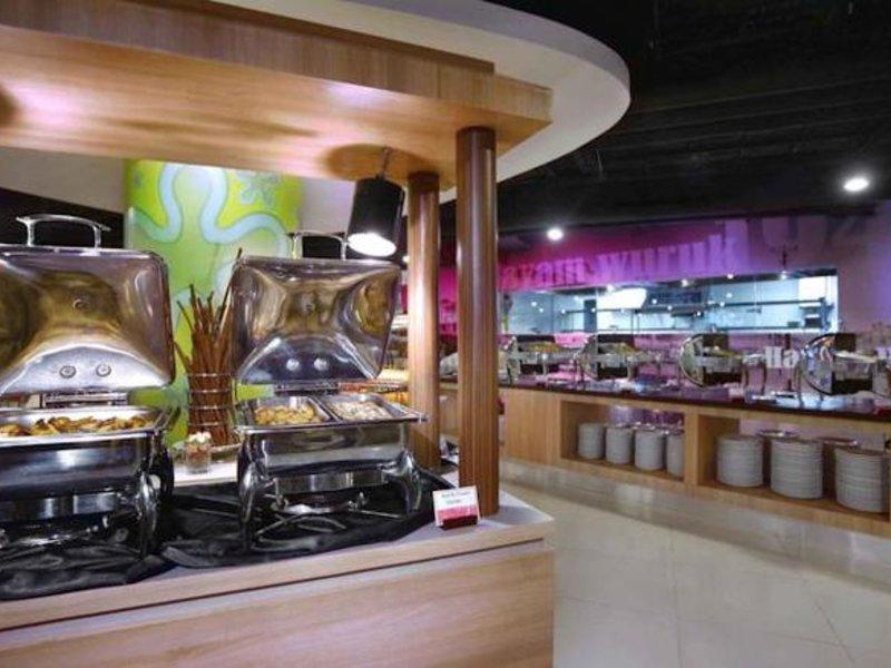 Favehotel PGC Cililitan Restaurant
