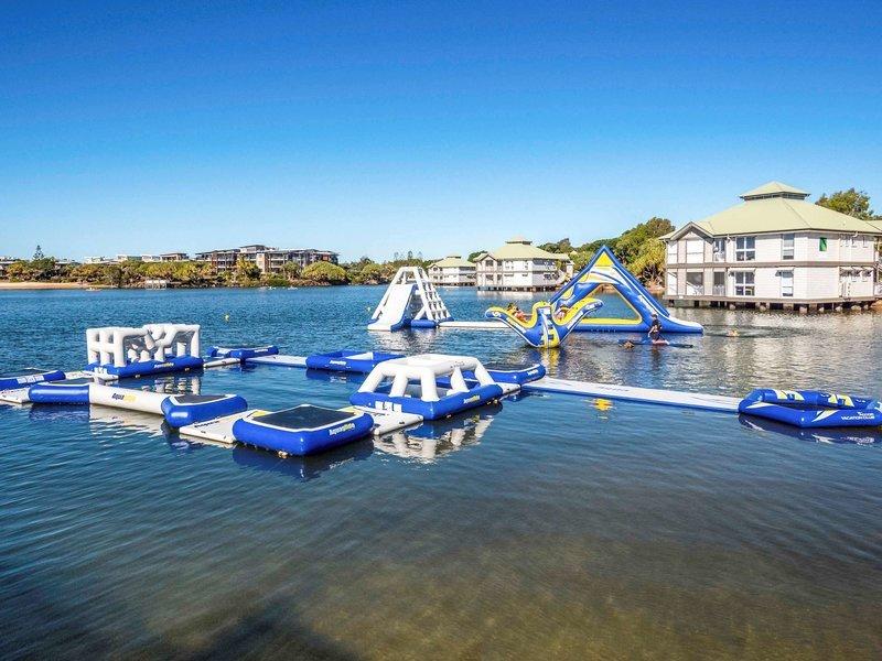 Novotel Twin Waters Pool