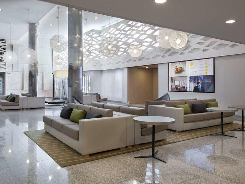NH Iruna Park Lounge/Empfang