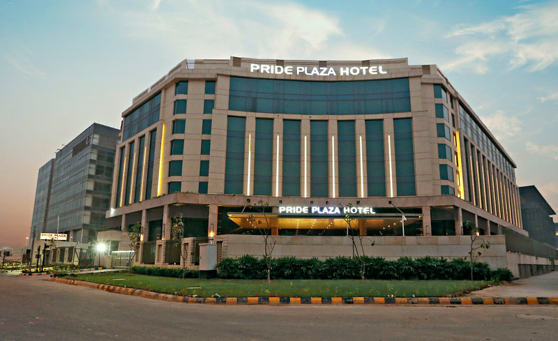 The Pride Plaza Hotel Aerocity Außenaufnahme
