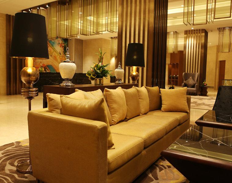 The Pride Plaza Hotel Aerocity Lounge/Empfang