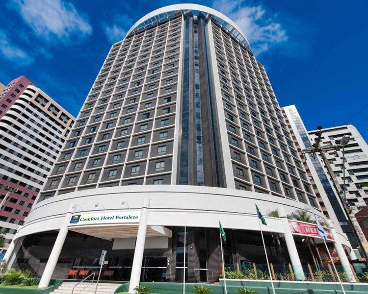 Comfort Hotel Fortaleza Außenaufnahme