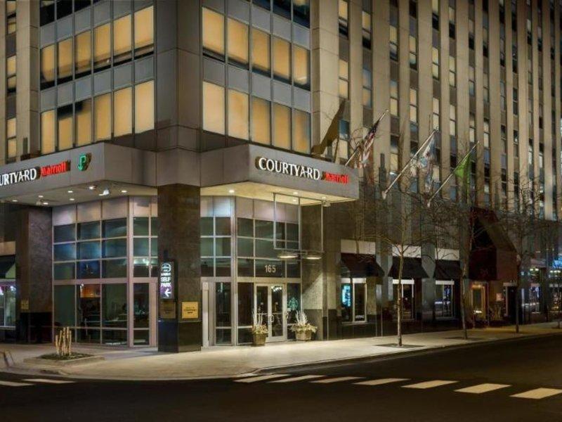 Courtyard by Marriott Chicago Magnificent Mile Außenaufnahme