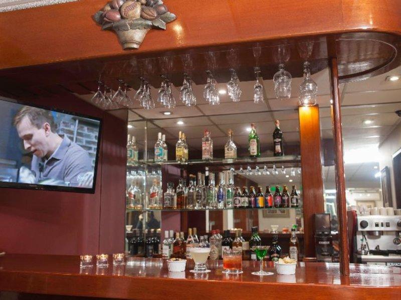 La Paz Apart Hotel Bar