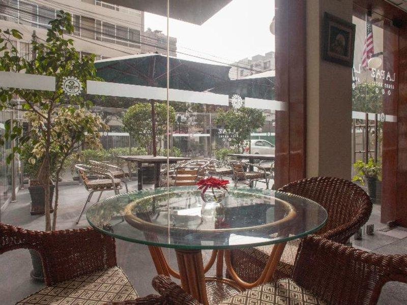 La Paz Apart Hotel Terrasse