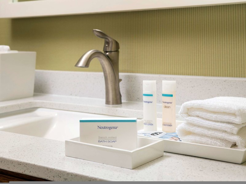 Home2 Suites by Hilton Denver International Airport Badezimmer