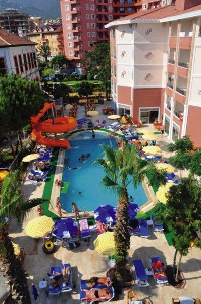 Primera Hotel & ApartPool