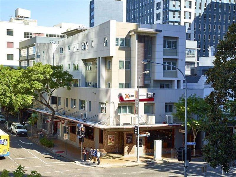 Base Brisbane Uptown Außenaufnahme