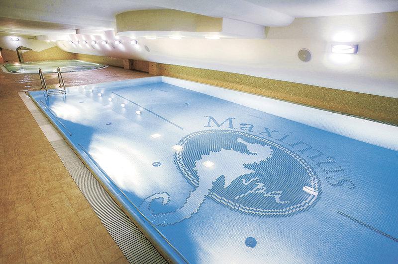 Maximus Spa Hallenbad