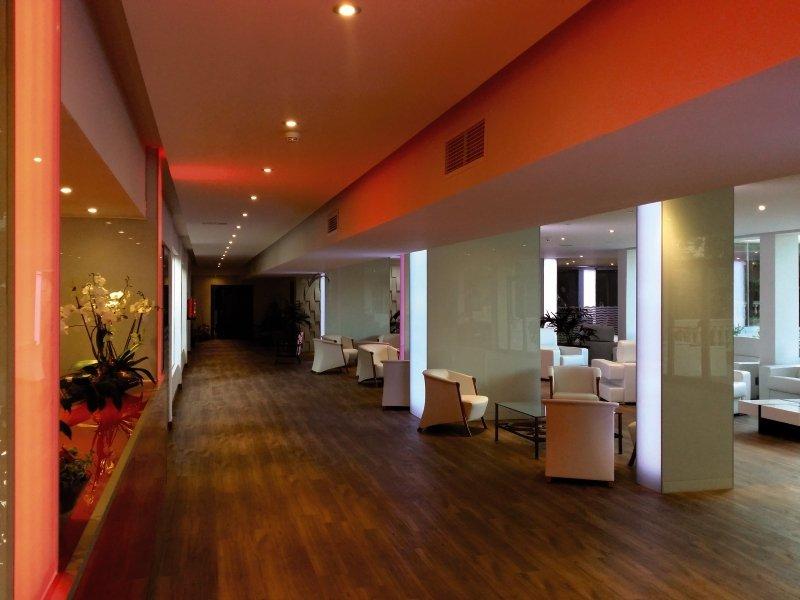 Seramar Sunna Park - Hotel Lounge/Empfang
