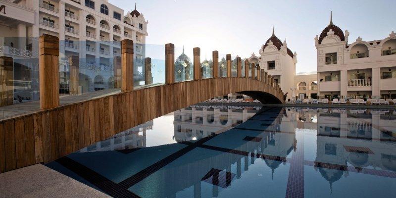 Oz Hotels - Side Premium Pool