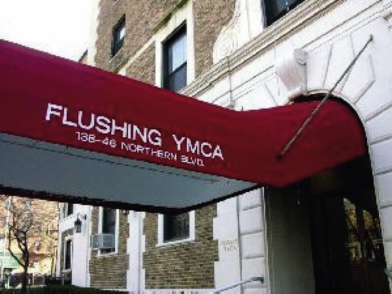 YMCA Flushing Außenaufnahme