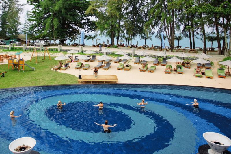 Mai Holiday by Mai Khao Lak Pool
