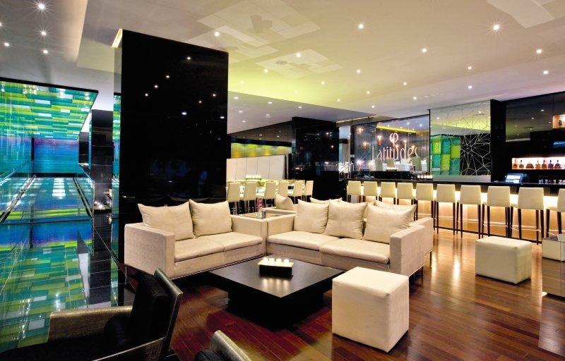 Le Meridien Panama Bar