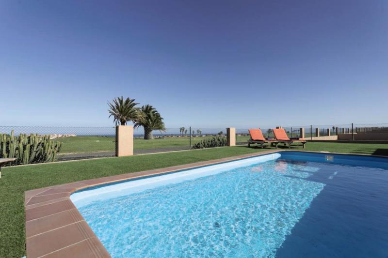 Villas Caleta Beach & Golf Pool