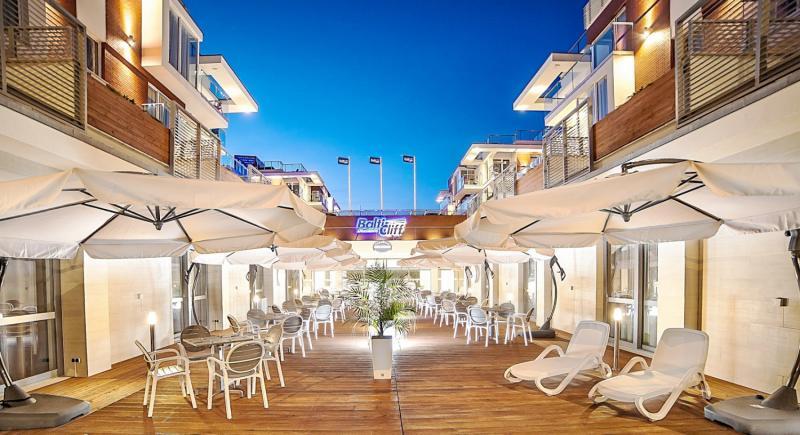 Baltic Cliff Apartments Spa & Wellness Terrasse
