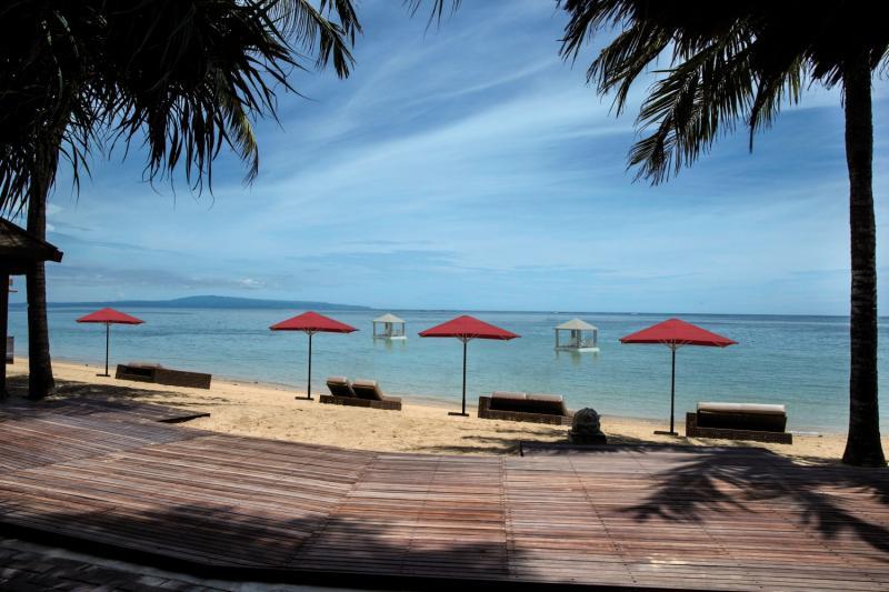 Puri Santrian a Beach Resort & Spa Strand