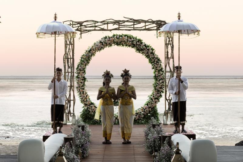 Puri Santrian a Beach Resort & Spa Garten
