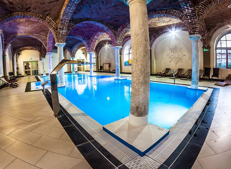 Palac Wiechlice / Schlosshotel Wichelsdorf Pool