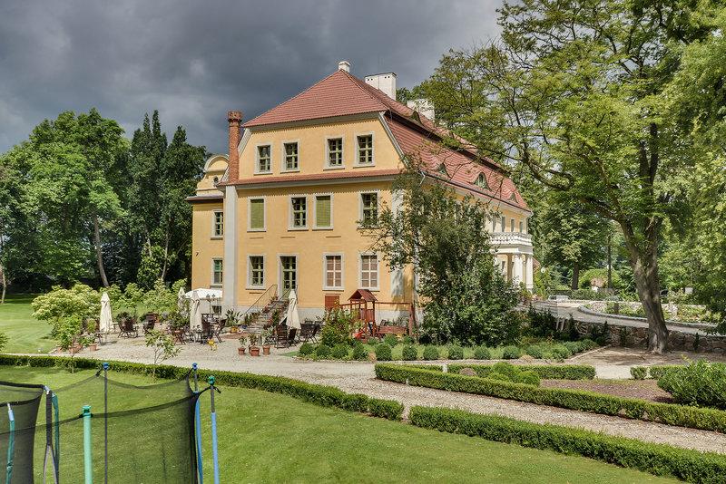 Palac Wiechlice / Schlosshotel Wichelsdorf Außenaufnahme