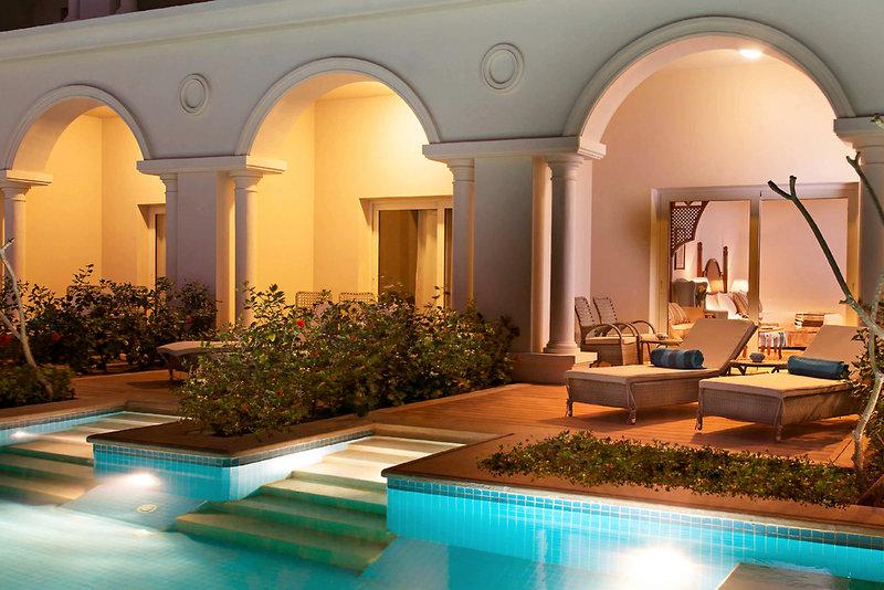 Baron Palace Resort Hallenbad