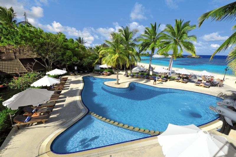 Paradise Island Resort & Spa Pool