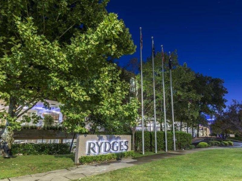 Rydges Capital Hill Landschaft