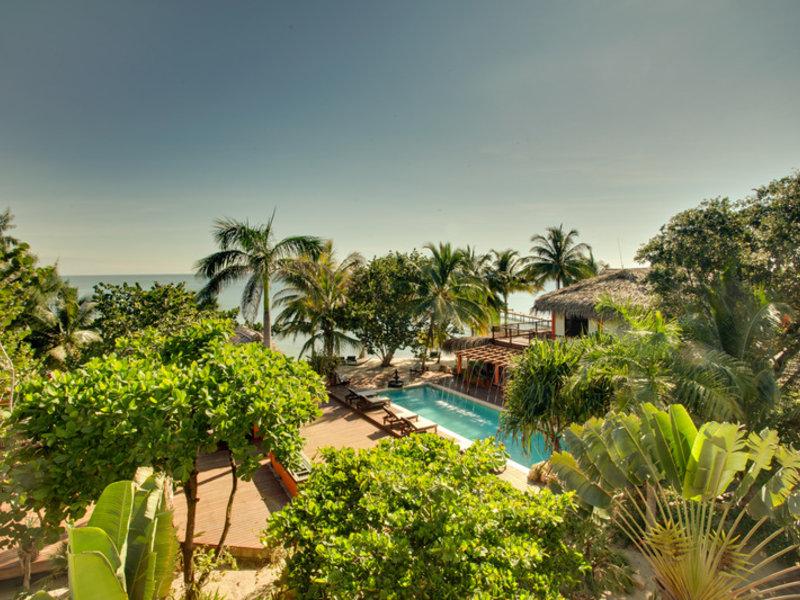 Robert´s Grove Beach Resort Garten