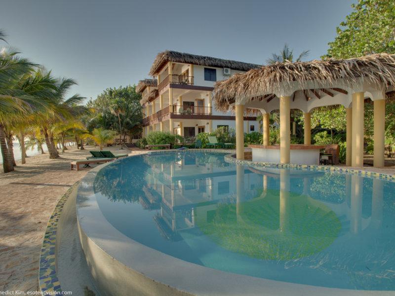 Robert´s Grove Beach Resort Pool