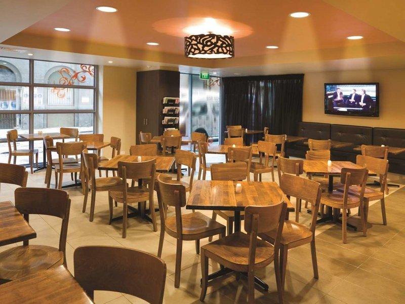 Adina Melbourne Northbank Restaurant
