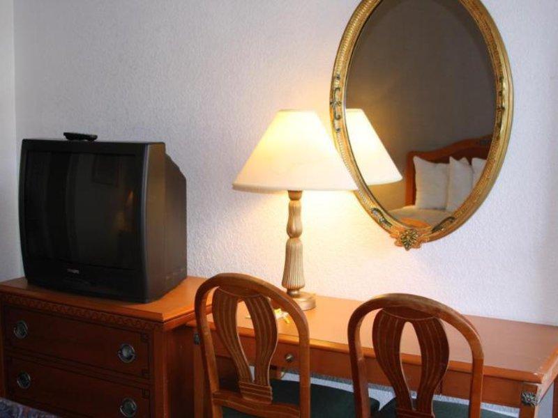 Days Inn & Suites Needles Konferenzraum