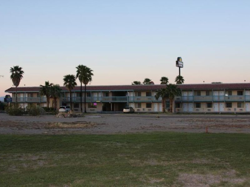 Days Inn & Suites Needles Landschaft