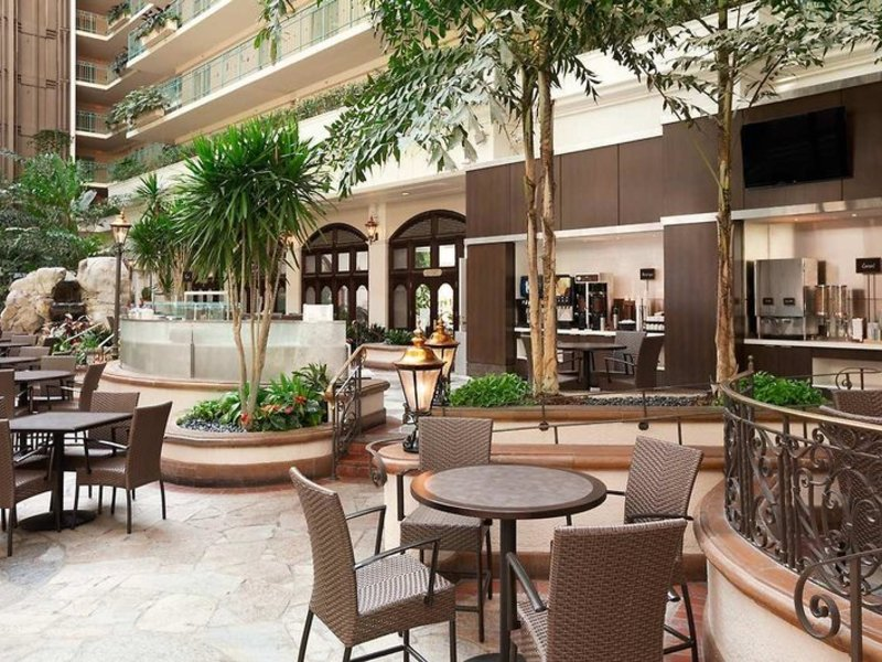 Embassy Suites by Hilton San Francisco Airport Waterfront Terrasse