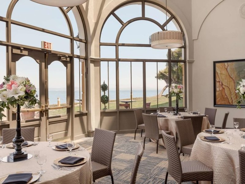 Embassy Suites by Hilton San Francisco Airport Waterfront Restaurant