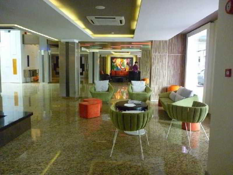The Brunei Hotel Lounge/Empfang
