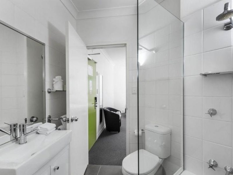 George Williams Hotel Badezimmer