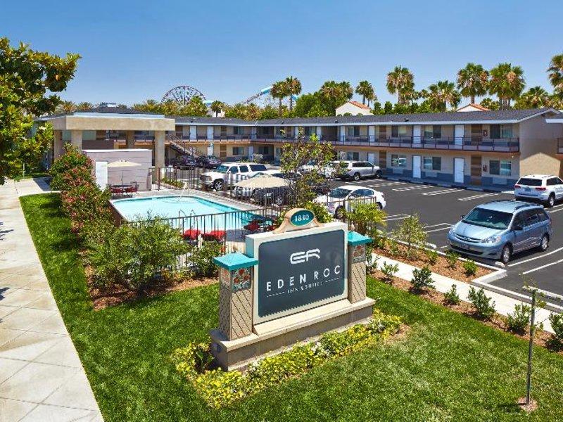 Eden Roc Inn & Suites Pool