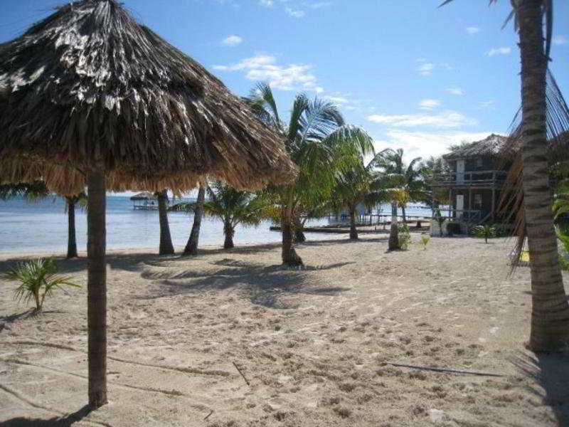 Exotic Caye Beach Resort Strand