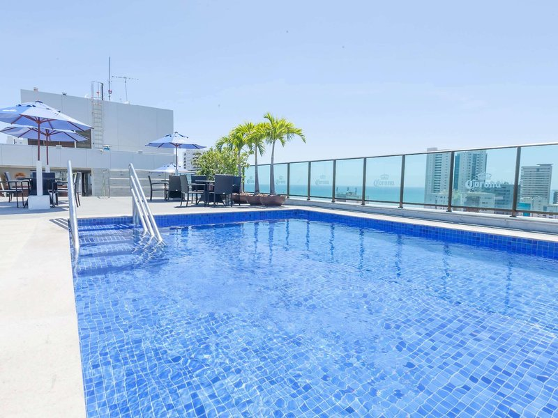 Ramada Recife Boa Viagem Pool