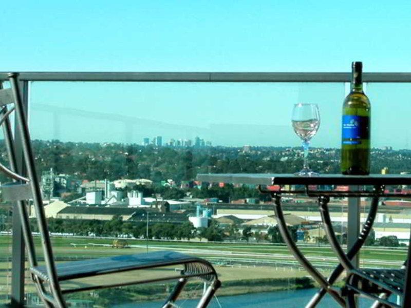 Waldorf Parramatta Apartment Hotel Terrasse