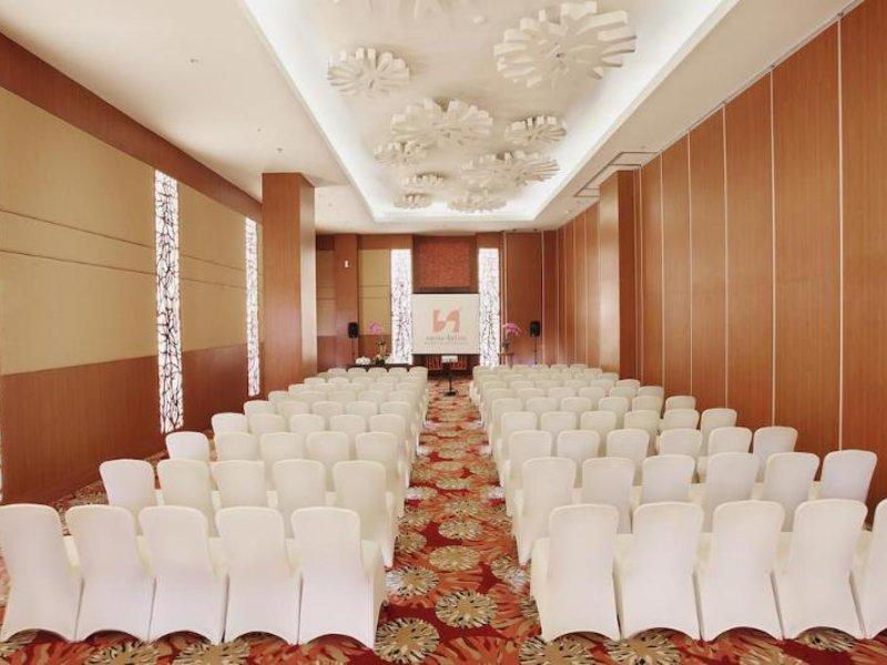 Swiss-Belinn Manyar Surabaya Konferenzraum