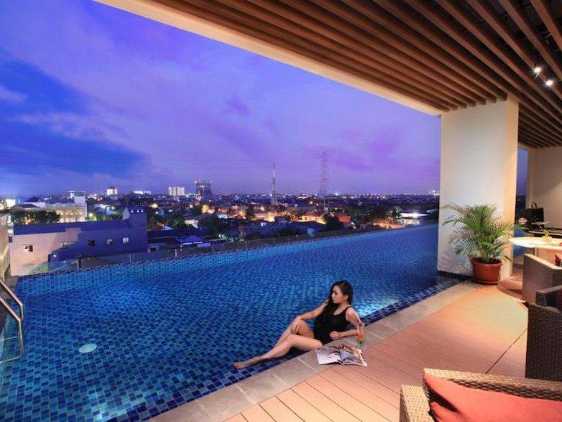 Swiss-Belinn Manyar Surabaya Pool