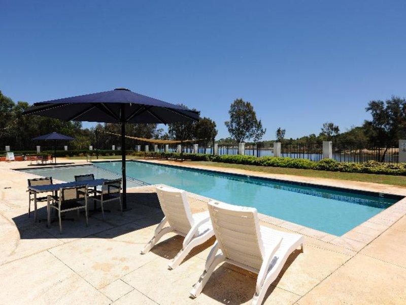 Assured Ascot Quays Apartment Pool