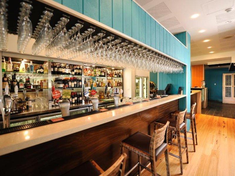 Assured Ascot Quays Apartment Bar