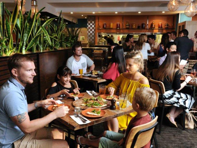 Assured Ascot Quays Apartment Restaurant