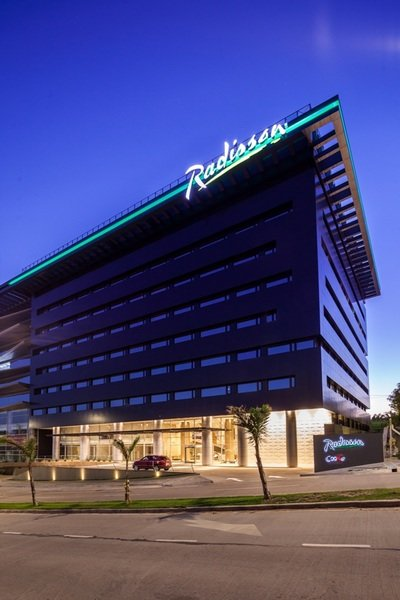 Radisson Hotel Santa Cruz Außenaufnahme