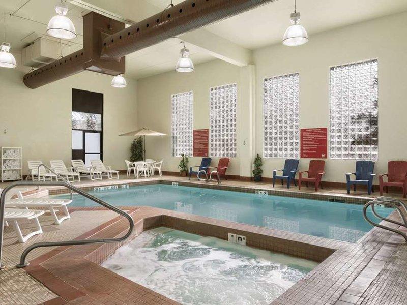 Travelodge Edmonton South Pool