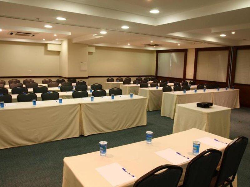 Estanplaza Paulista Konferenzraum