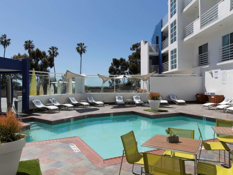DoubleTree Suites by Hilton Doheny Beach Pool