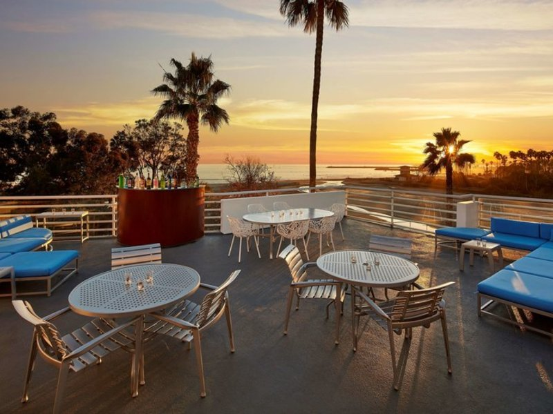 DoubleTree Suites by Hilton Doheny Beach Terrasse